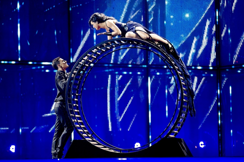 Hamster Wheel Costume And a Giant Hamster Wheel